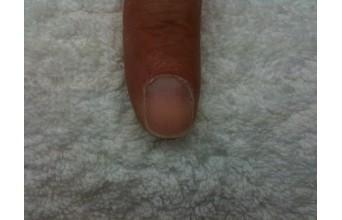 Préparation de l'ongle à la pose